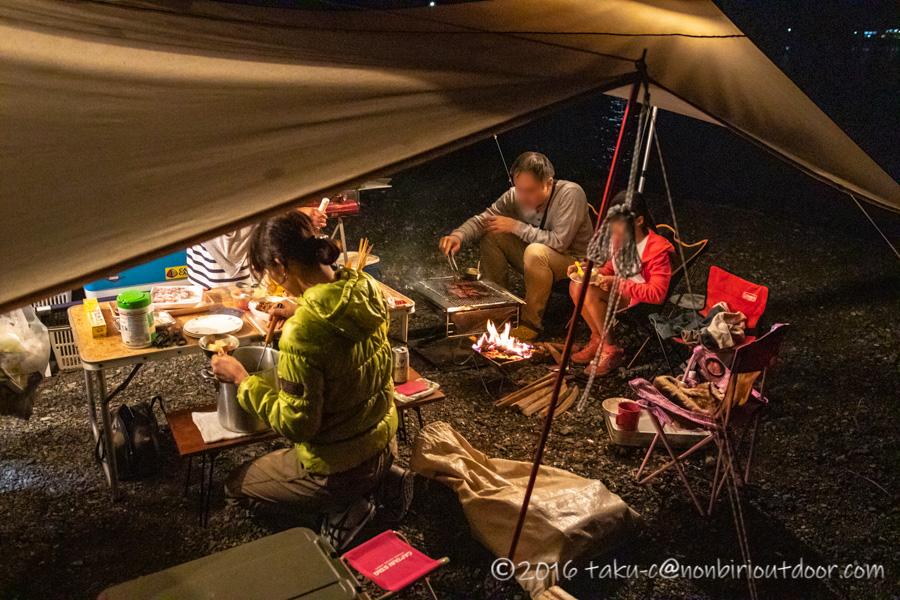 西湖・湖畔キャンプ場で海の日の三連休キャンプの夕飯