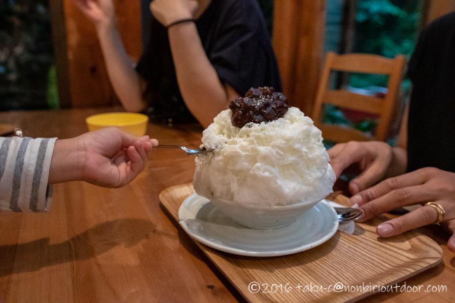 ときがわ町のかき氷山田屋でかき氷を食べる