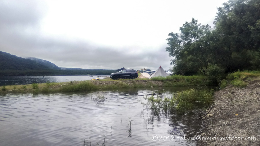西湖・湖畔キャンプ場から自由キャンプ場までカヤックで移動する