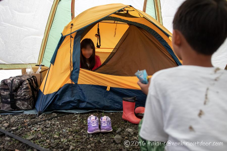 西湖・湖畔キャンプ場でのんびり