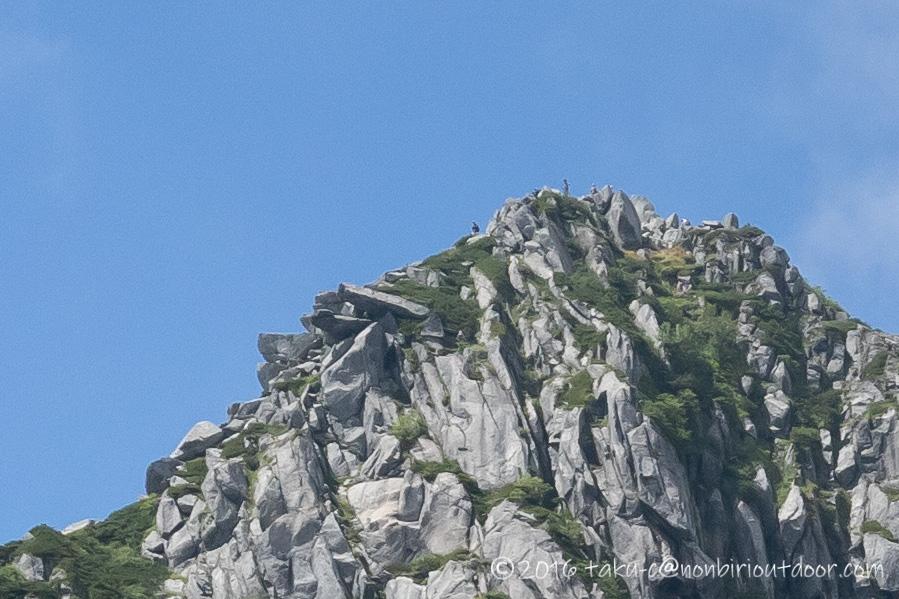 千畳敷カールから見る宝剣岳山頂