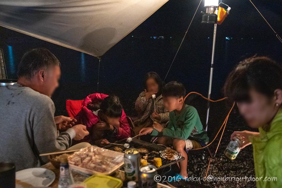 西湖・湖畔キャンプ場で夕飯