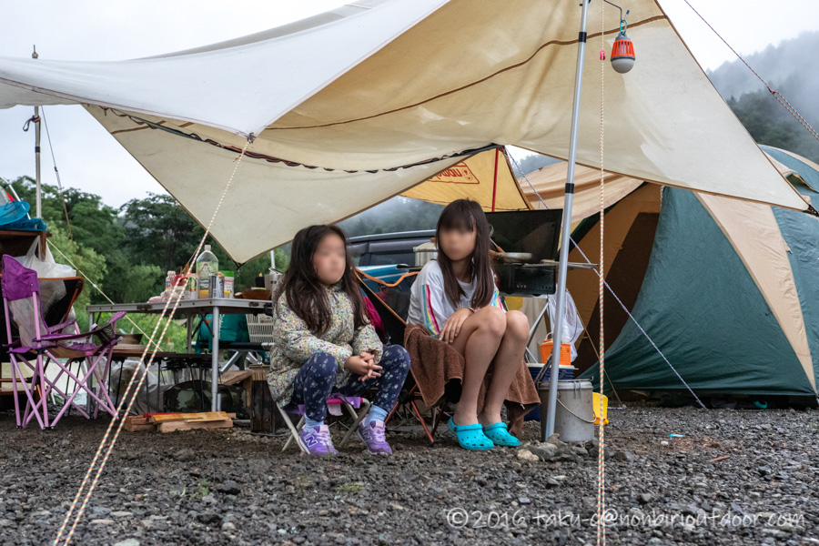 西湖・湖畔キャンプ場の朝