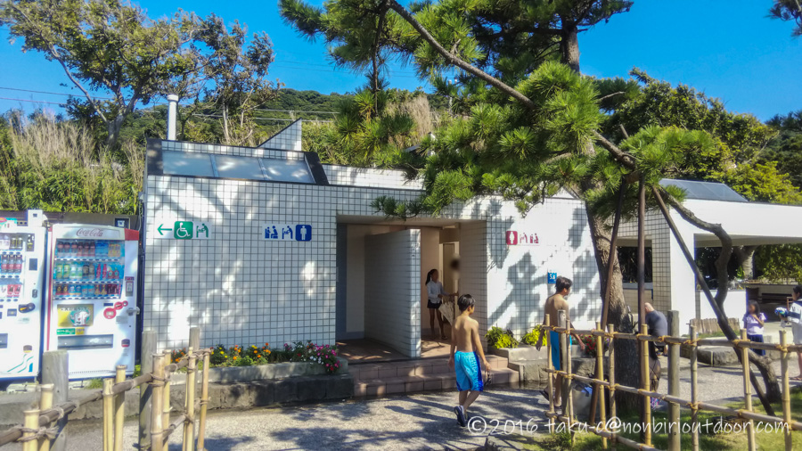 神奈川県県立葉山公園の駐車場にあるトイレ