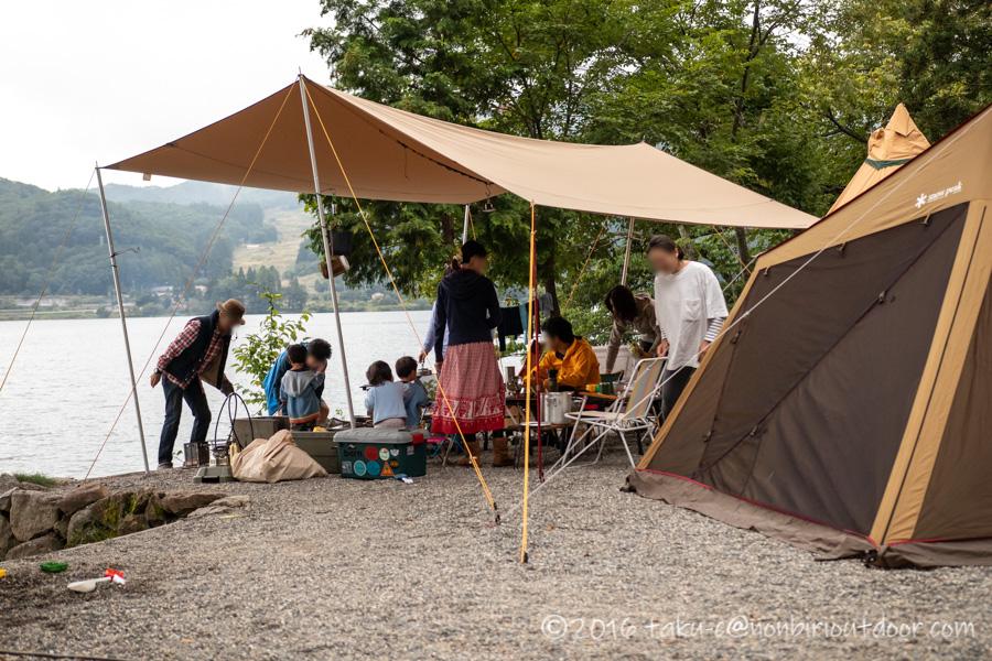 青木湖でグルキャン2泊目の朝