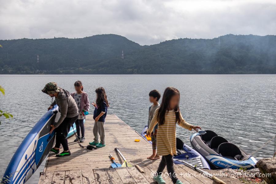 青木湖でグルキャン2泊目のSUP