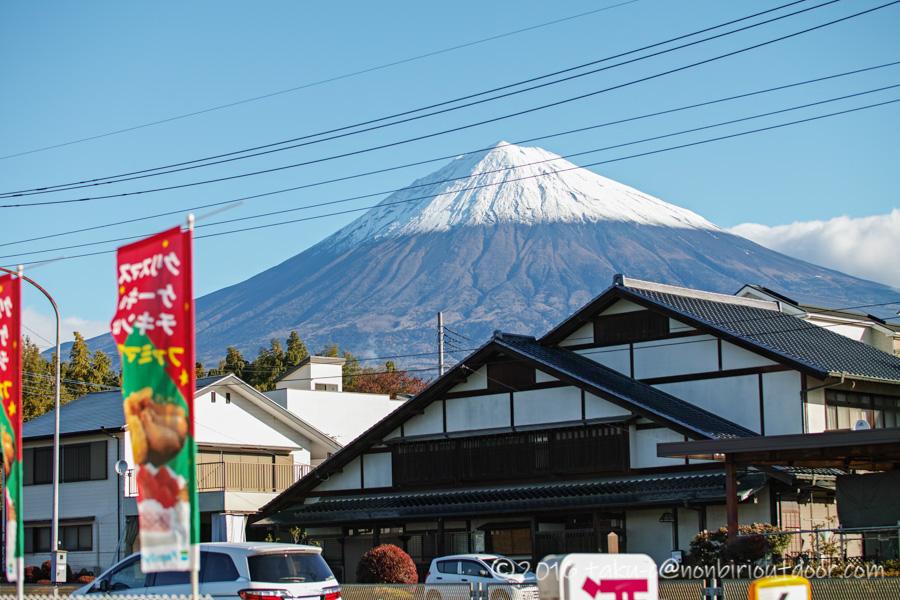 第3回ナチュログ写真部合宿の会場富士山YMCAグローバルエコヴィレッジに向かう途中の富士山