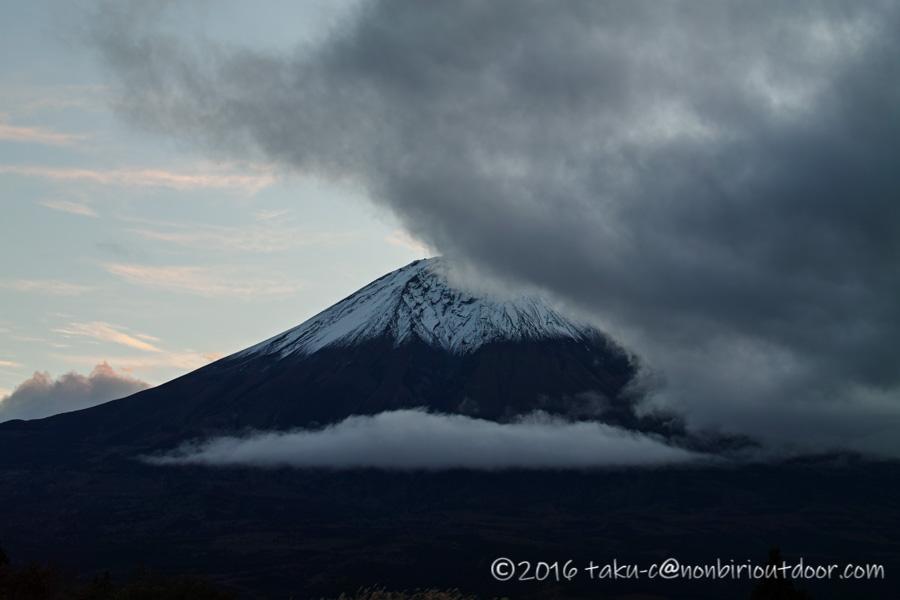 第3回ナチュログ写真部合宿の初日の夕方の富士山