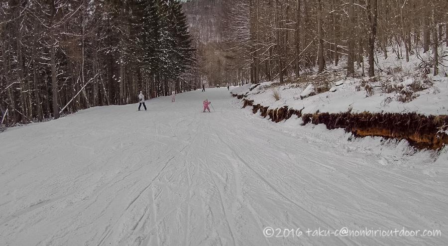 娘の初スキーに行ったシャトレーゼスキーリゾート八ヶ岳のバレー3コース
