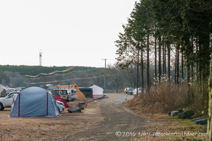 GO OUT CAMP 冬 2019 のふもとっぱらの設営場所の様子