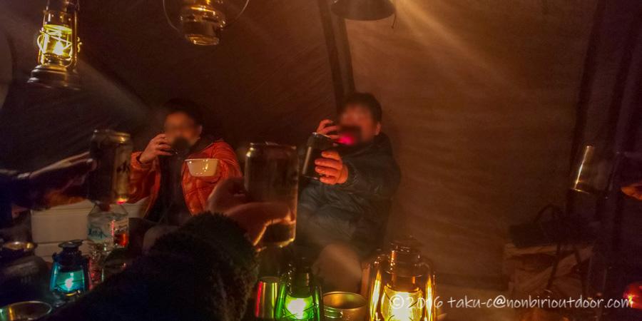 五光牧場オートキャンプ場でのおっさん雪中キャンプの宴会