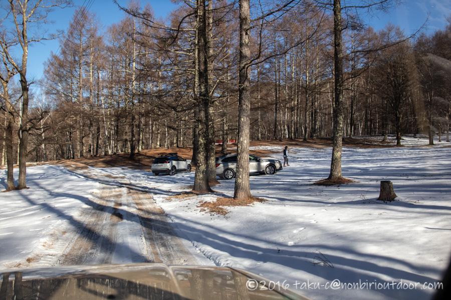 おっさん雪中キャンプをする為に五光牧場オートキャンプのサイトへ向かう