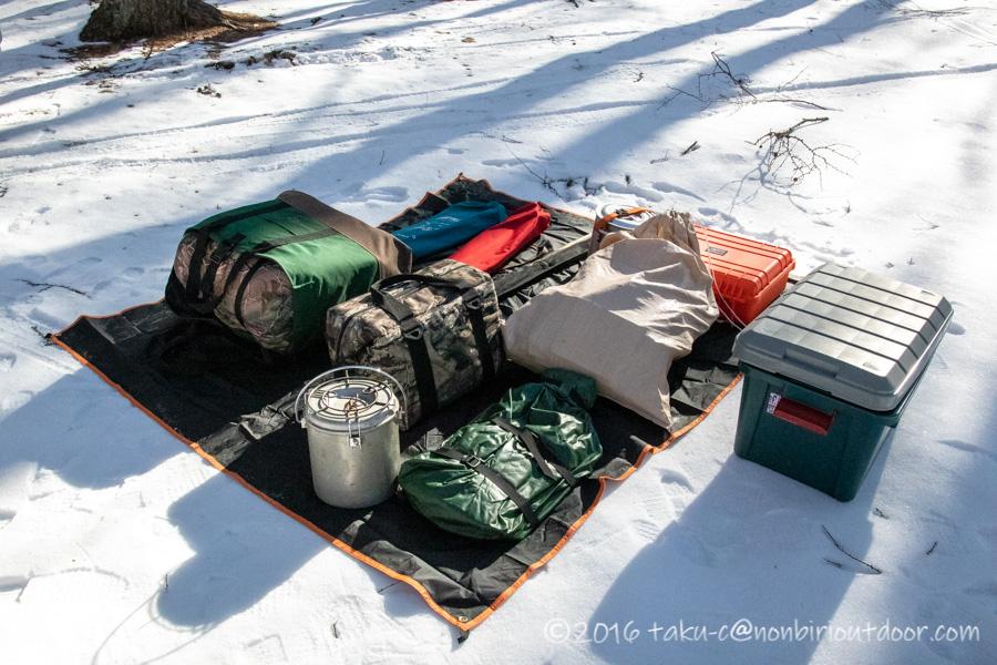 おっさん雪中キャンプをする為の荷物