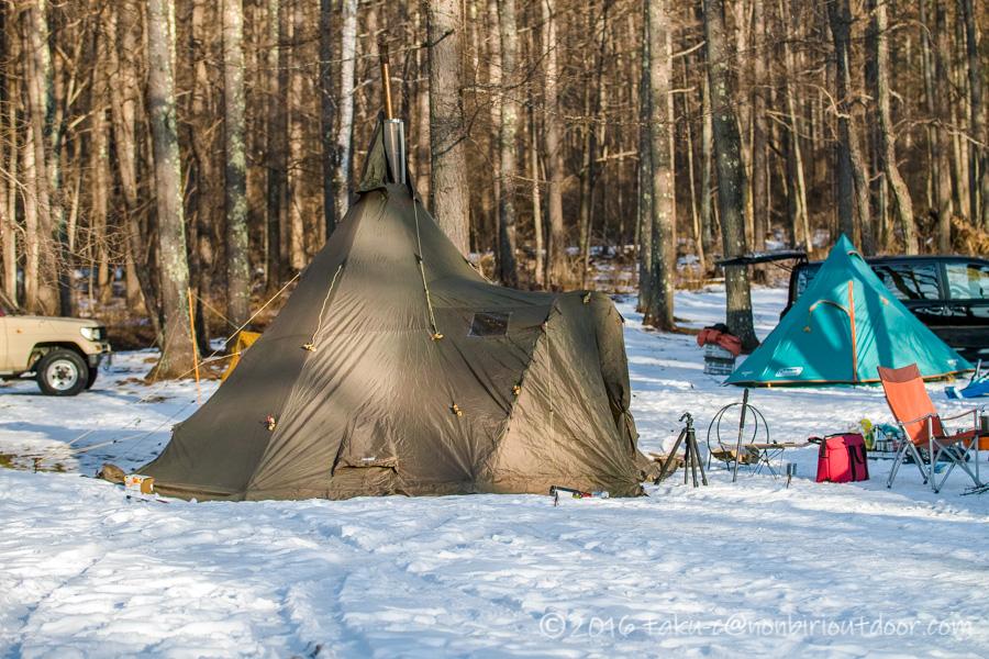おっさん雪中キャンプをする為に五光牧場オートキャンプのサイトで設営したテントのバランゲルキャンプ