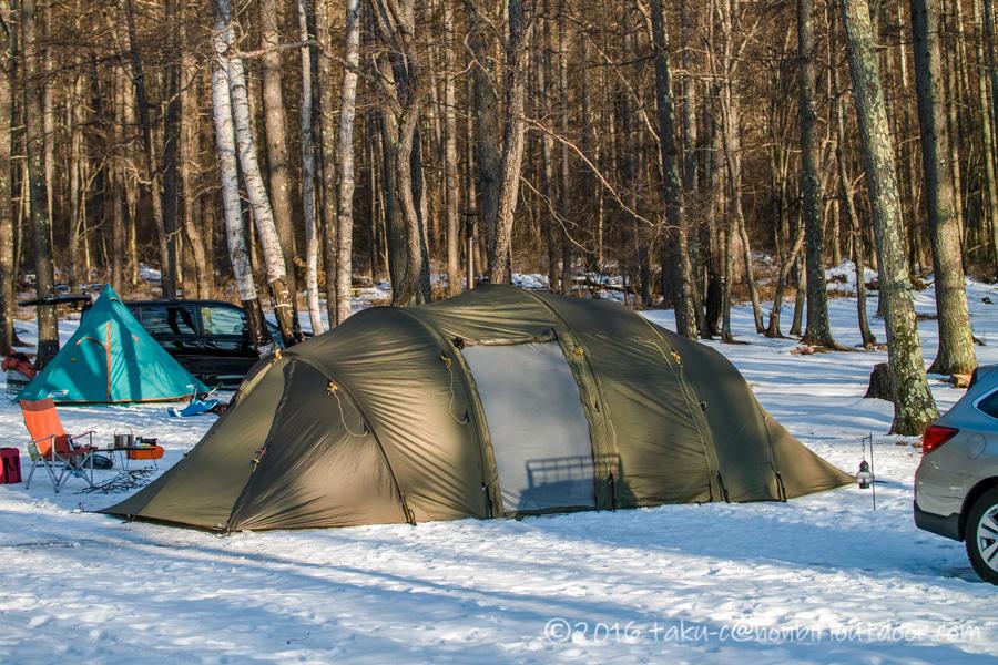 おっさん雪中キャンプをする為に五光牧場オートキャンプのサイトで設営したテントのバルホール