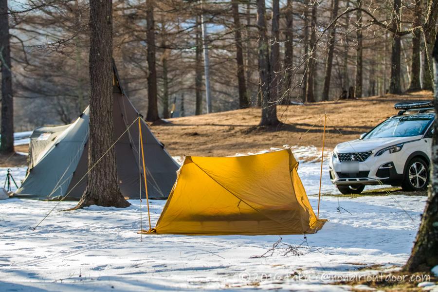 おっさん雪中キャンプをする為に五光牧場オートキャンプのサイトで設営したテントのセル2