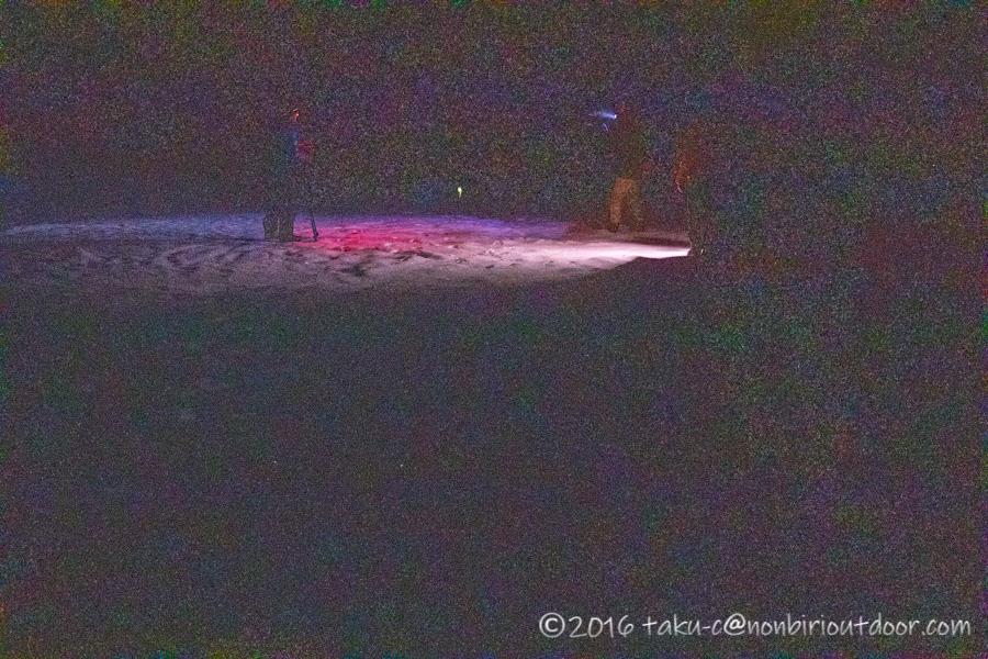 五光牧場オートキャンプ場で行われたおっさん雪中キャンプの夜の展望台での星空撮影