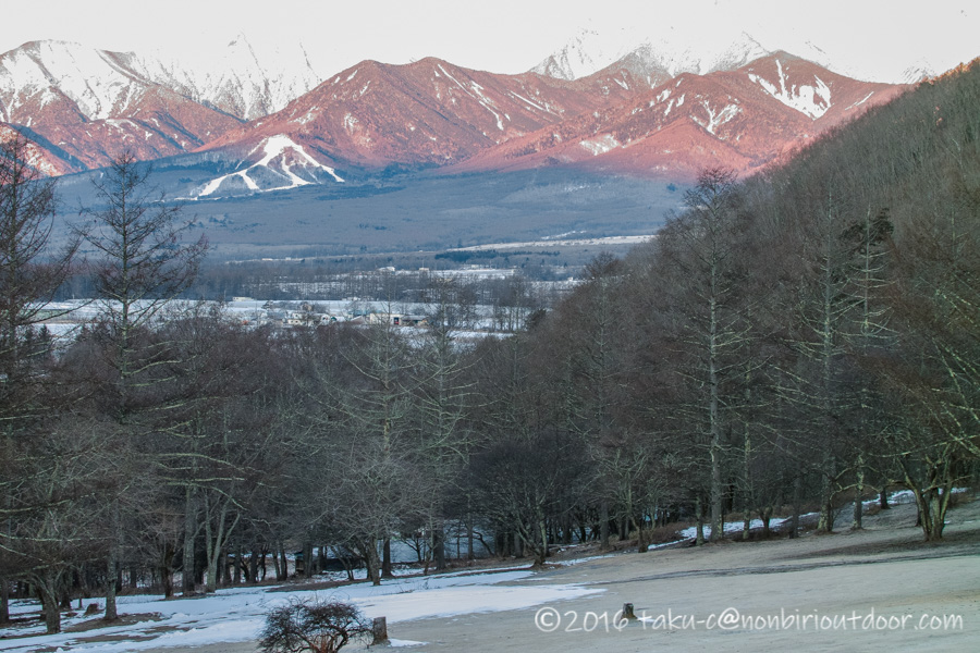 五光牧場オートキャンプ場から八ヶ岳を撮影する朝