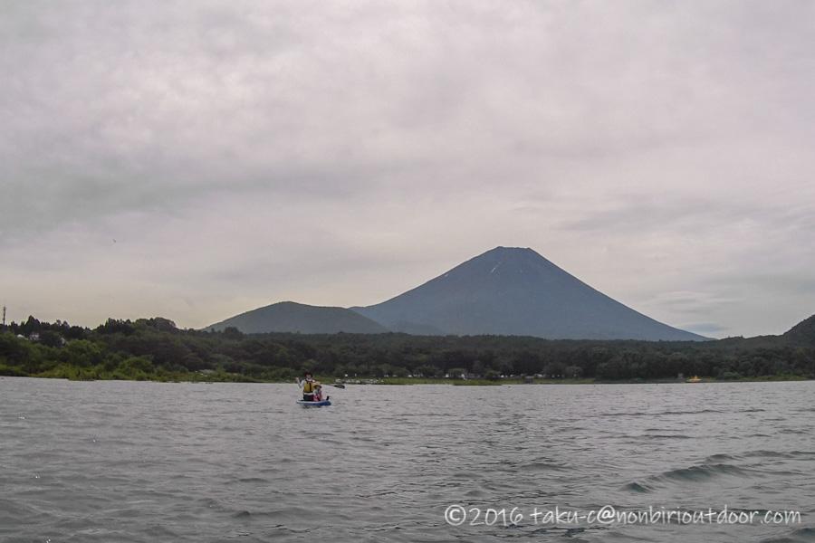 富士山と本栖湖とSUP