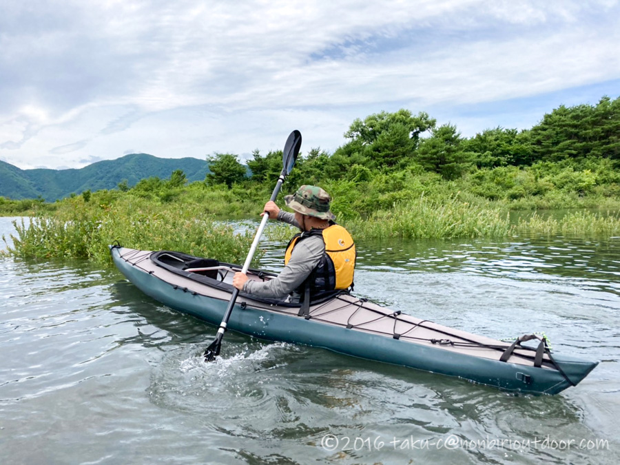 本栖湖でフジタカヌー460に乗る