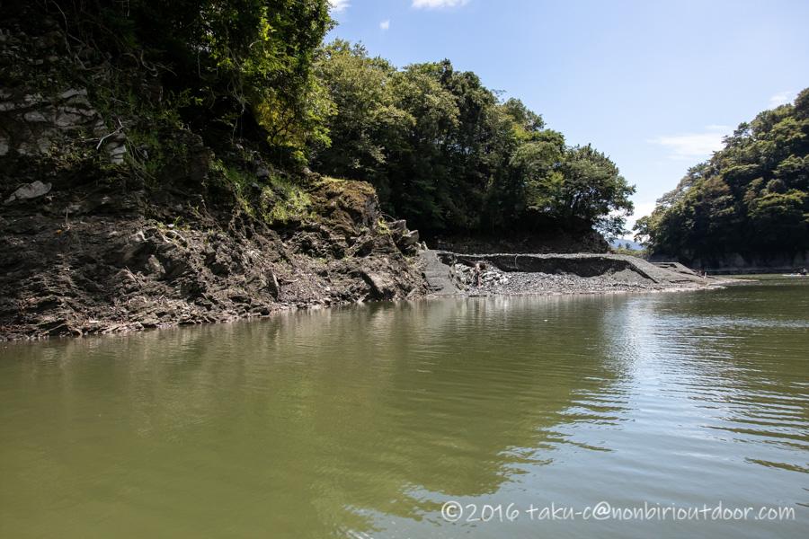 9月の丹沢湖のカヤックの様子