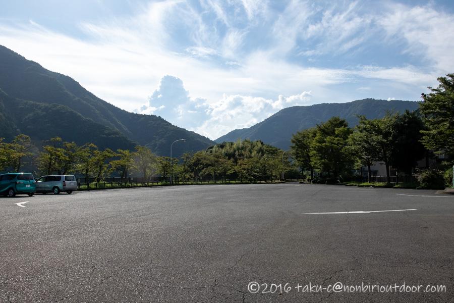 9月の丹沢湖の様子