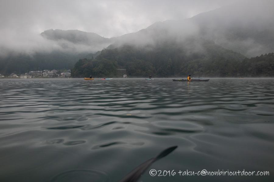 霧の青木湖で早朝カヤック、カヌー