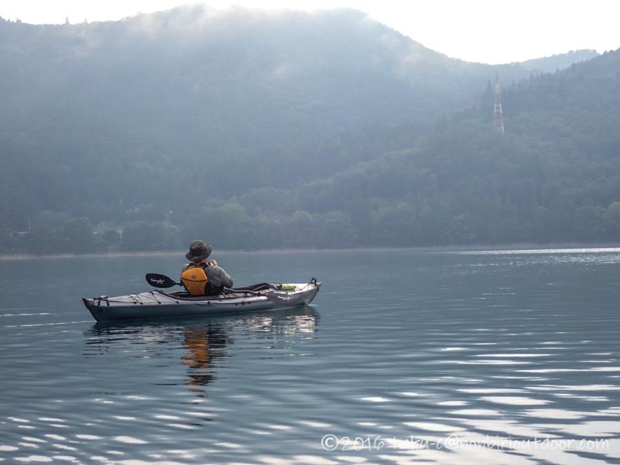 青木湖で早朝カヤック
