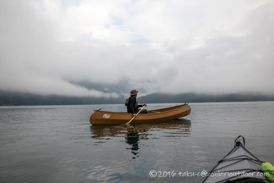 青木湖の早朝カヌー