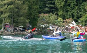 青木湖でのカヤックとSUPとカヌーでの水鉄砲超の戦い