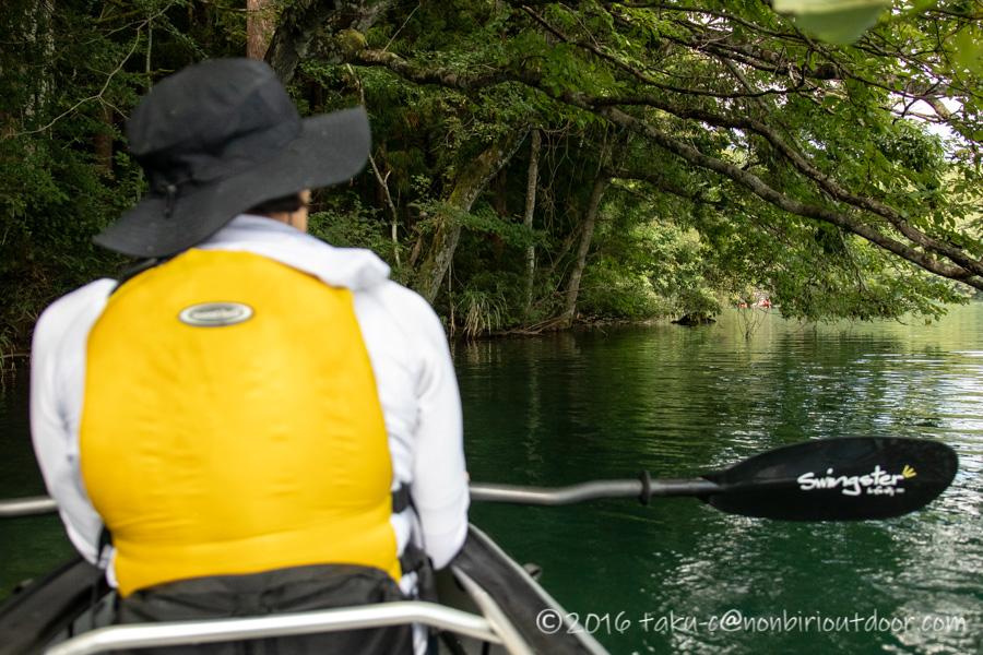 青木湖を夫婦でカヤックで周る
