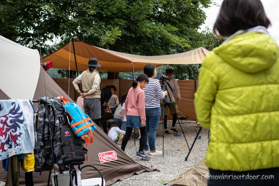 ナチュログ写真部漕艇課キャンプの記念撮影
