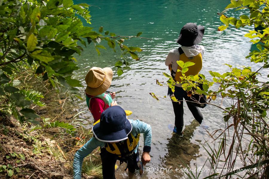 青木湖でのカヤックの上陸ポイント