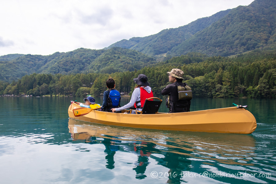 青木湖をallyのカヌーでファミリーで湖上クルーズ