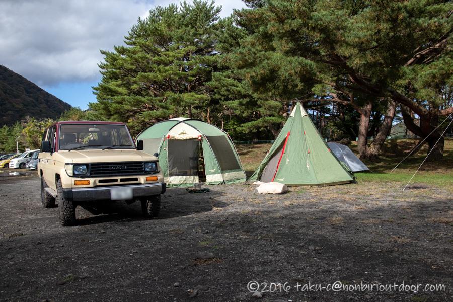 本栖湖キャンプ場で設営完了