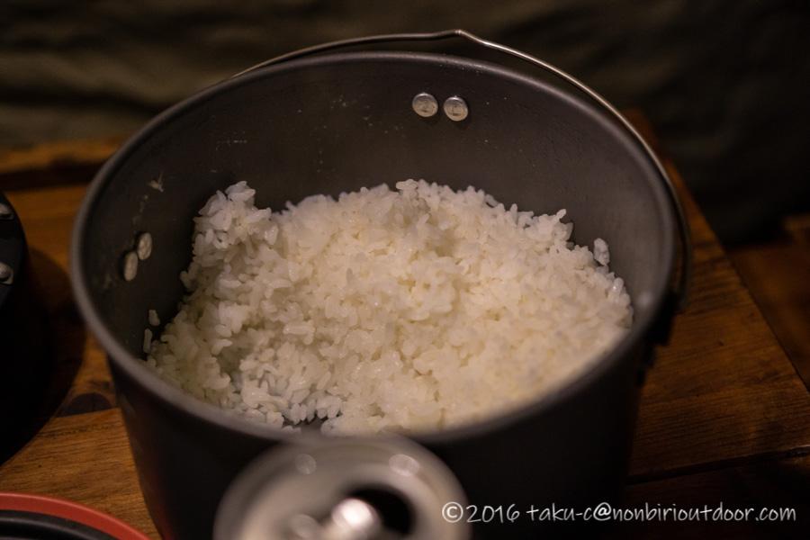 本栖湖キャンプ場の夕飯で炊いた米