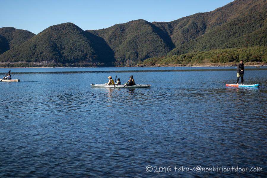 本栖湖でフジタカヌーアルピナ2 460で湖上散策