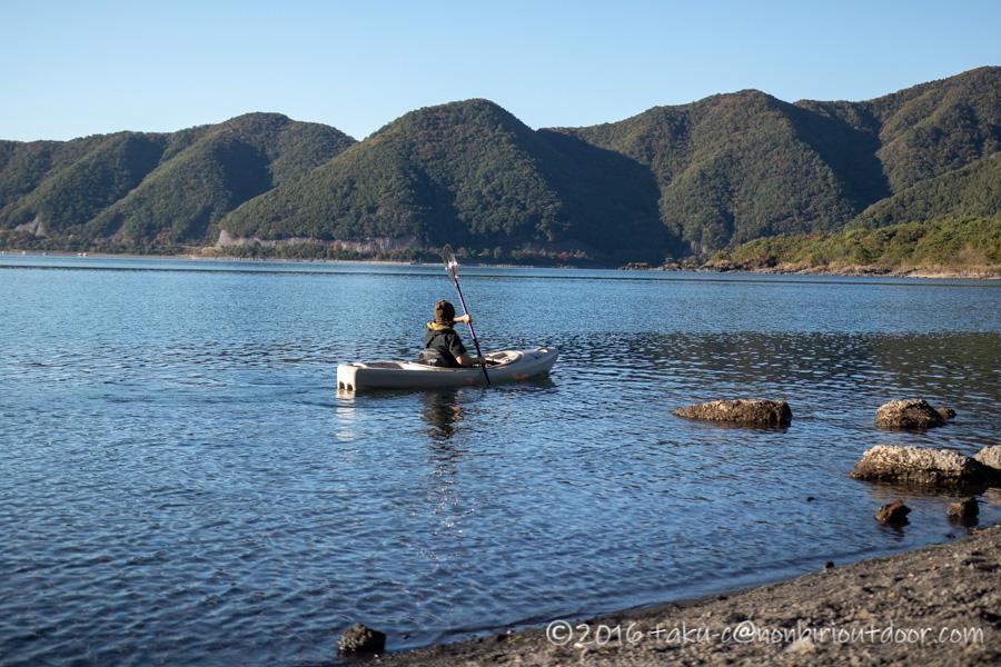 パーセプションサウンド10.5で本栖湖を漕ぐ