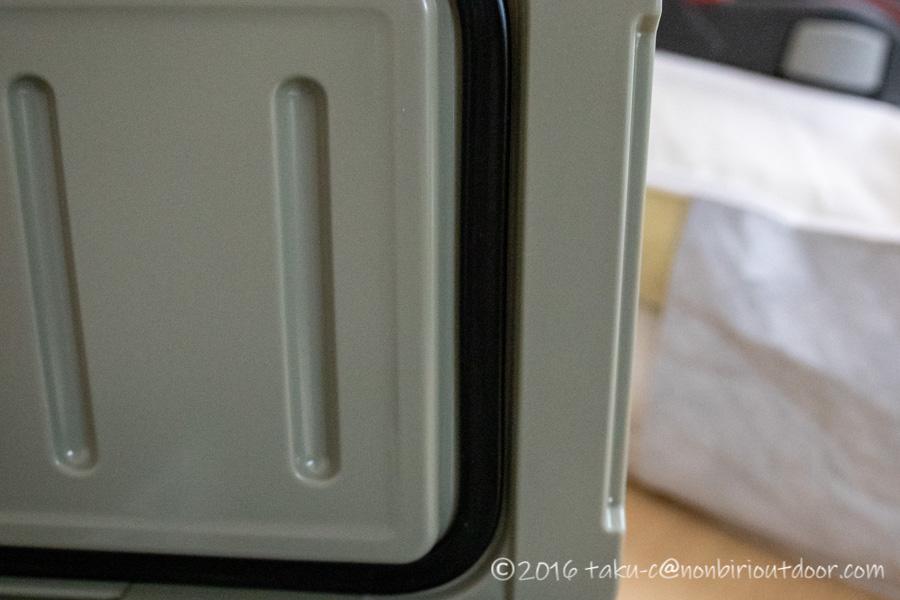 アイスランドクーラーとDVERGのコラボのクーラーボックス20QTの蓋のパッキン