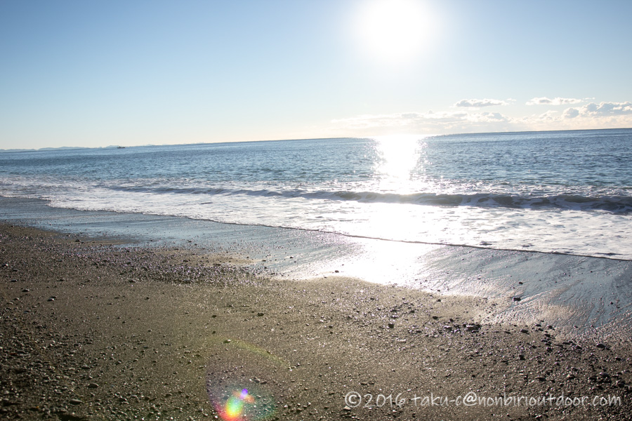 日が昇った国府津海岸