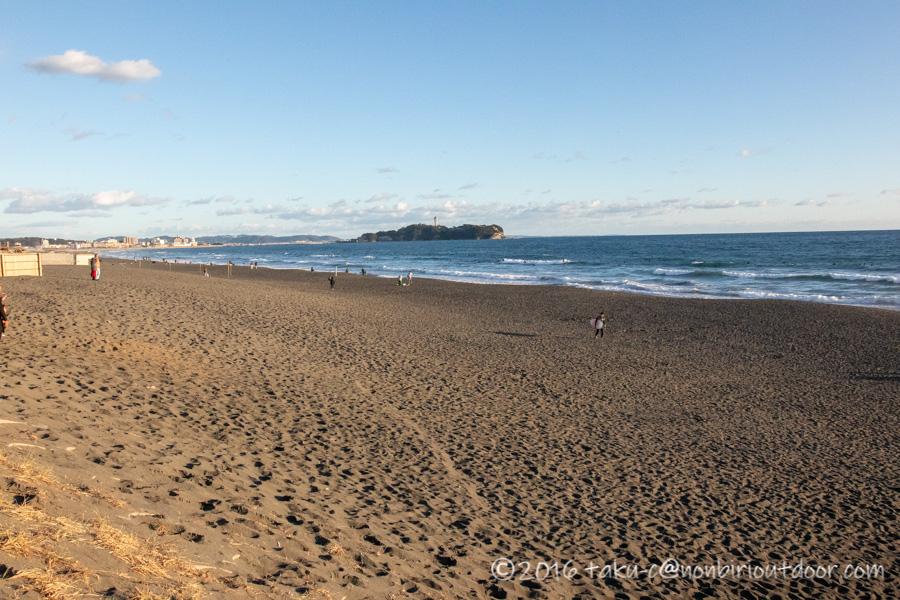 2021年の元旦の辻堂海岸と江の島