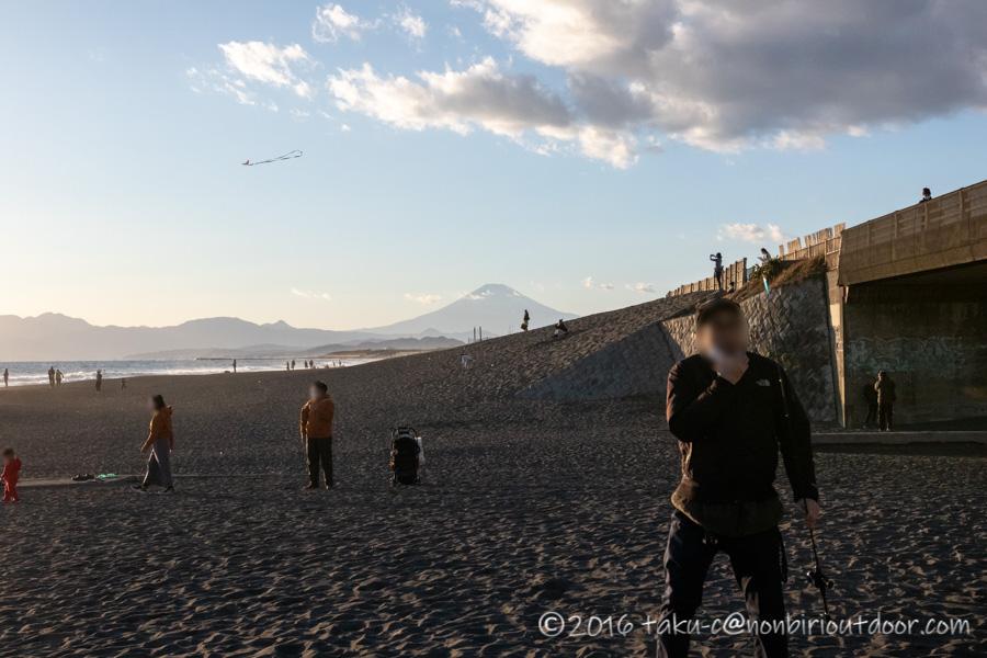 2021年の元旦の辻堂海岸と富士山