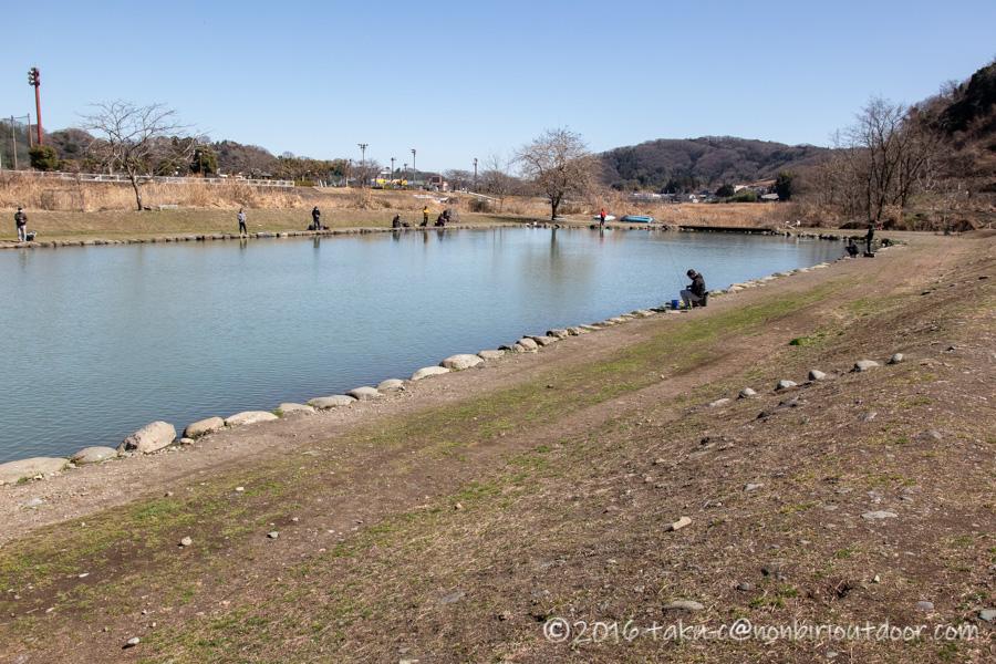 フィッシングフィールド中津川での3月上旬のお昼の釣り