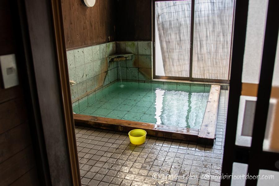 猿ヶ京温泉の共同浴場のいこいの湯のお風呂