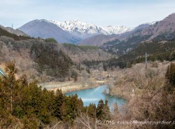 湯島オートキャンプ場と谷川岳