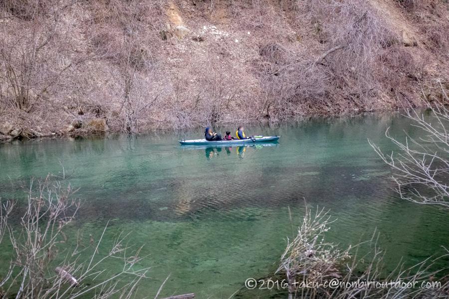 赤谷川から赤谷湖へカヤックで漕ぐ