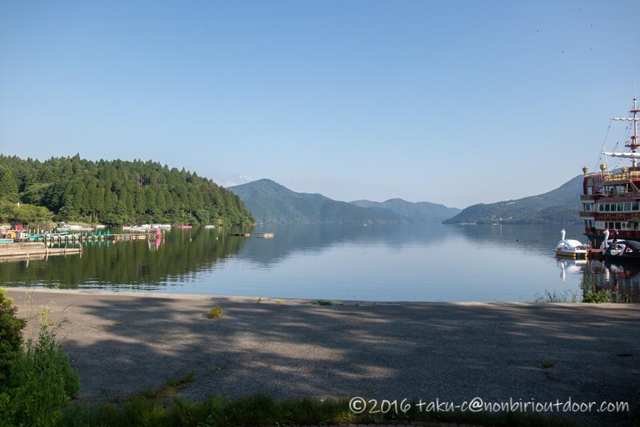 2021年6月9日の芦ノ湖の朝
