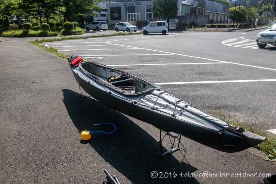芦ノ湖でフジタカヌー アルピナ2 460の組み立て完了