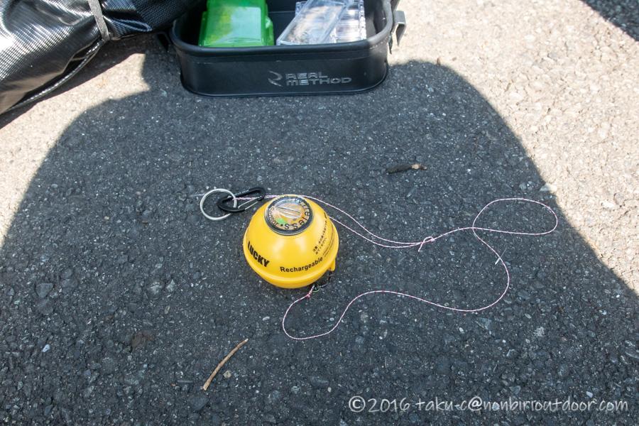 カヤックからのジギング用にLUCKYの魚探を使う